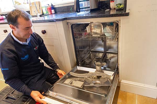 تعمیرات ماشن ظرفشویی دوو در محل شما با ضمانت