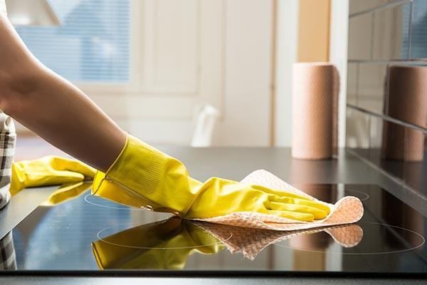 بهترین روش تمیز کردن اجاق گاز شیشهای