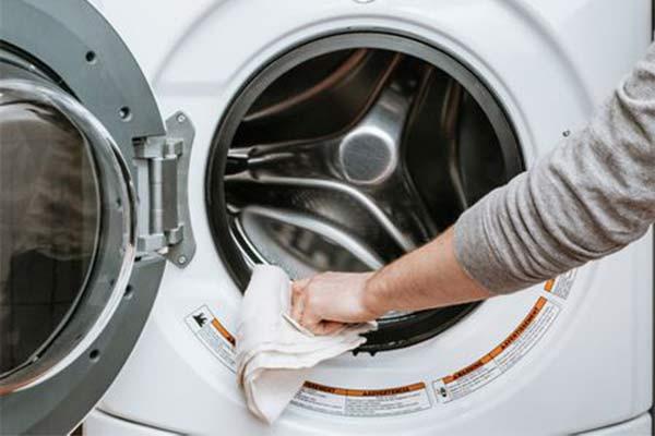 خشک نشدن لباسها به دلیل خرابی پمپ تخلیه لباسشویی