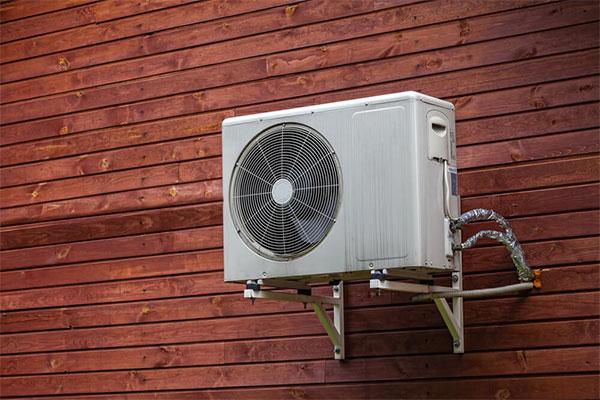خرابی پنل خارجی کولر گازی، یکی از دلایل باد گرم زدن کولر گازی - نیو سرویس