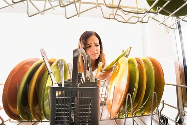 در ماشینهای ظرفشویی با در سیستم cool dray، برای خشک کردن ظروف نیازی به المنت نیست