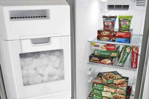 با قرار گرفتن یخچال کنار وسایل گرمازا، دمای درون دستگاه از حالت تعادل خارج میشود