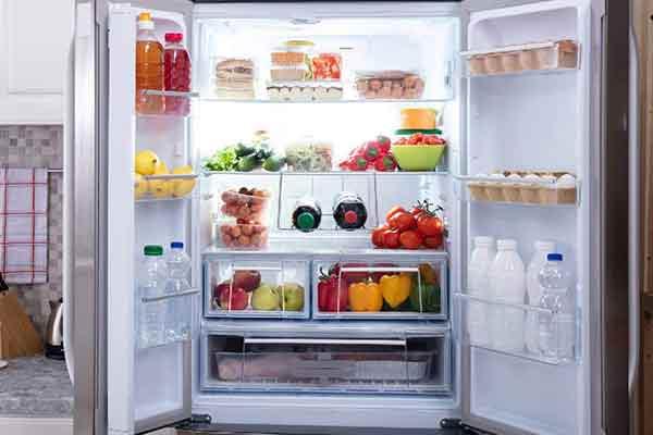 در این مقاله به صورت کامل با علل رایج برفک زدن یخچال و راههای از بین بردن برفک یخچال به صورت عملی آشنا میشویم.