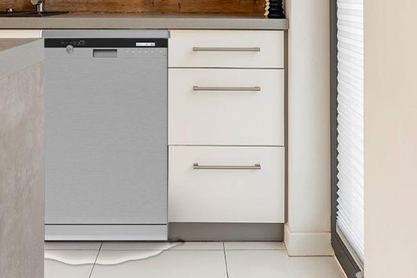 خروج آب از ماشین ظرفشویی